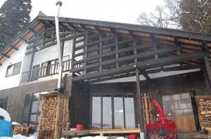 古材を使った伝統工法の家